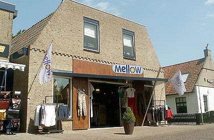 Kledingwinkel Mellow Jeans, Nes